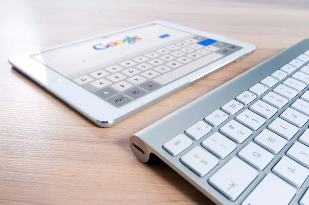 Apple Keyboard met Google